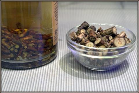 Настойка на веточках смородины
