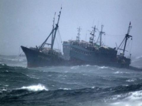 Двойное дно... или кто стоит за трагедией в Охотском море...
