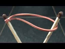 Как зажечь спичку спичкой?