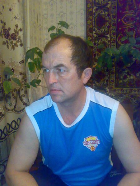 Александр Манов