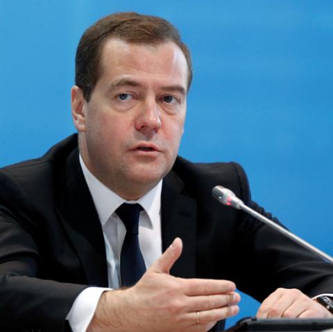 Медведев и Миллер едут в Карелию