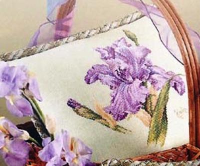 "Подушка с цветами — ""Ирис""(со схемой)"