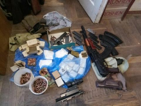 В вотчине Порошенко разоблачили подпольный оружейный цех