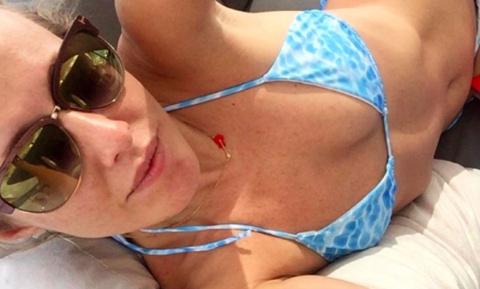 Ксения Собчак в купальнике испугала читателей популярного журнала