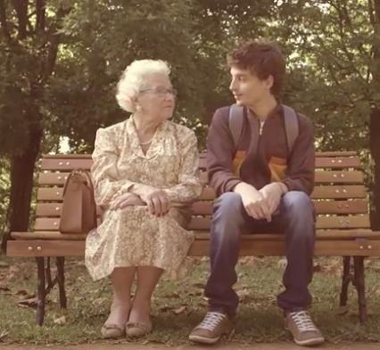 Поцелуй со старушкой