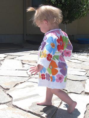 Детский халатик из полотенца
