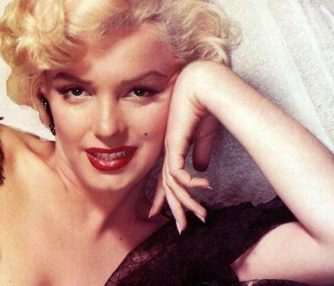 «Крупным девочкам нужны крупные бриллианты» — 10 зачОтных фраз знаменитых женщин
