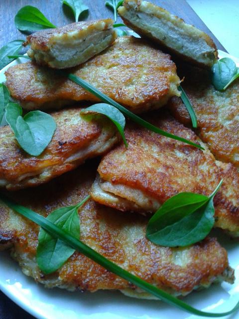 Куриное филе в нежной картофельно-сырной шубке.