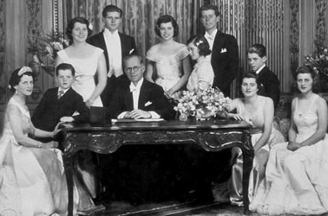 Скелеты в шкафу: тайны известных семей