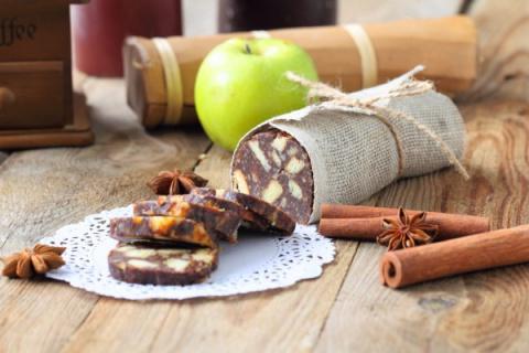 Шоколадная колбаска с грецки…