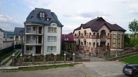 Богатейшее село в Украине, где нет ни одного 1-этажного дома