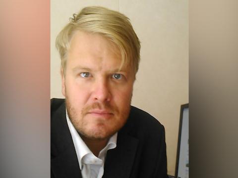 Чиновник из Петербурга оскорбил скорбящих по жертвам А321