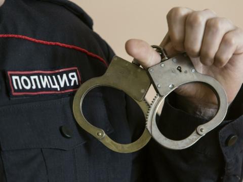 Школьница отдала бессовестному юноше украшений на400 тысяч рублей, чтобы тот непубликовал ееголые фото