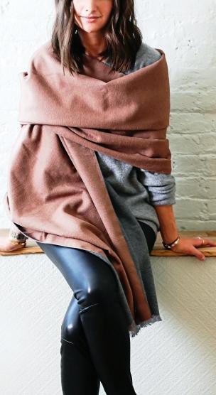 5 интересных идей с шарфом — уже вполне может пригодиться