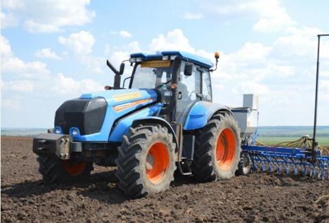 Новый трактор с расчетом на перспективу