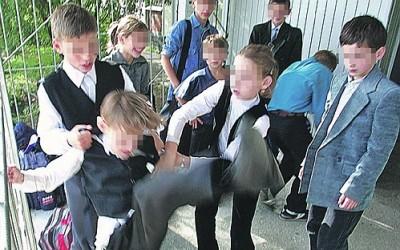 Откуда в российских школах  …