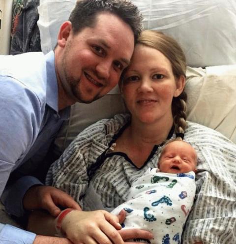 Чудеса случаются: женщина родила дочку, а через два дня умерла, и тут случилось невозможное…