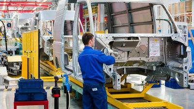 Рабочие петербургских заводо…