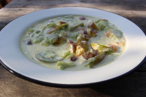 Помидорный салат «Киви с алычой»