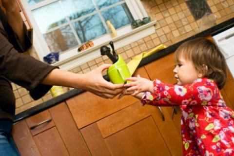 Детская территория. Игры на кухне