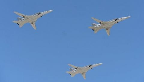 Бомбардировщики России Ту-22М3 совершили полет над Норвежским и Баренцевым морями