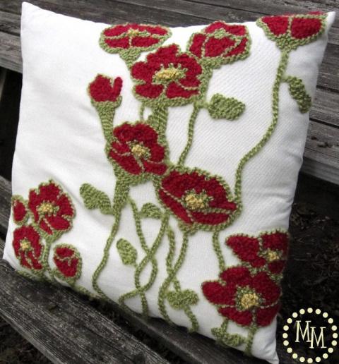 Красивая подушка с вышивкой …