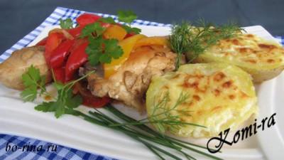 Обед на выходные. Курица по-басконски и картофель запечённый под сыром