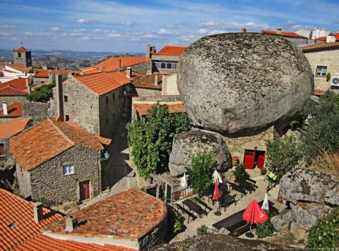 Деревня Монсанто - самое португальское селение
