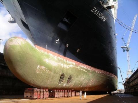 Ну очень большой корабль..))