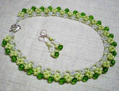 Нежное изумрудное ожерелье
