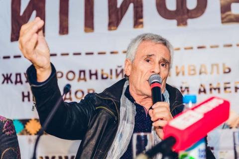 Легендарный Чингачгук: 74-летний Гойко Митич посетил Москву