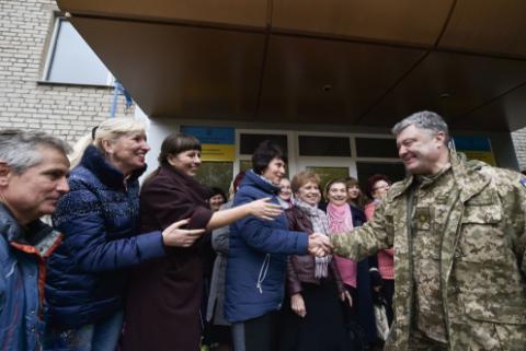 Порошенко заявил, что делает всё для ввода миротворцев ООН в Донбасс