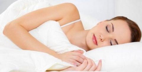 Сон на боку очищает мозг