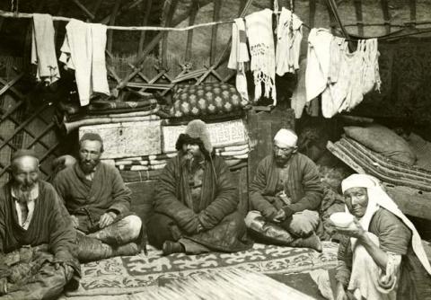 Казахи и Россия (история без идеологии)