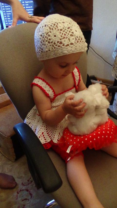 Вязаный песочник для девочки двух лет - крючок