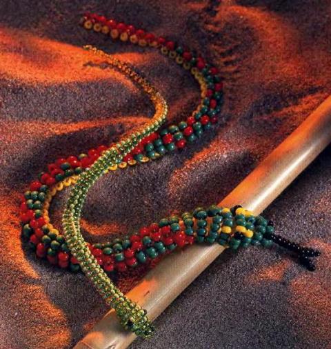 Змейка из бисера.