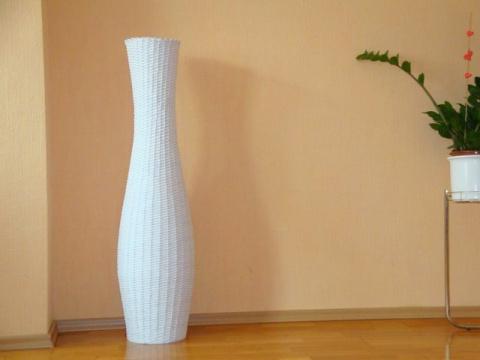 Плетение из газет: напольные вазы своими руками