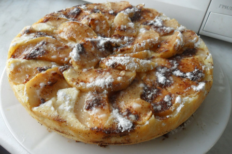 Творожный десерт с яблоками