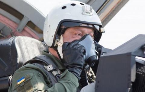 Непросыхающий пассажир Порошенко, или Как коменданты Бухенвальда плюнули в лицо Украине