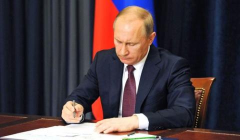 Путин запустил план по уничтожению доллара. Запад в панике