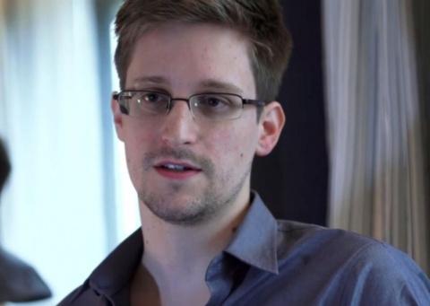 Интернет собирает деньги для Сноудена
