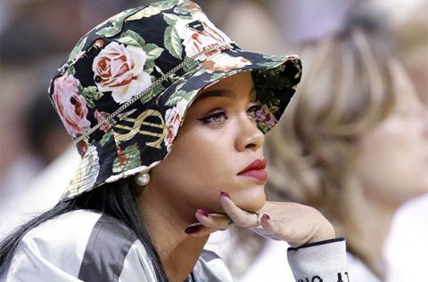 Rihanna Blasts CBS for Pulling Song from 'Thursday Night Football'