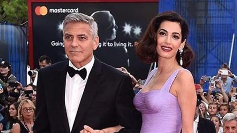 Образ дня: Амаль Клуни в Ate…