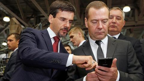 Медведеву подарили российски…