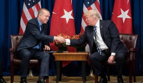 Эрдоган пригрозил Трампу зво…