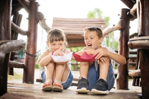 7 признаков, что ты — младшая сестрёнка (и это навсегда)