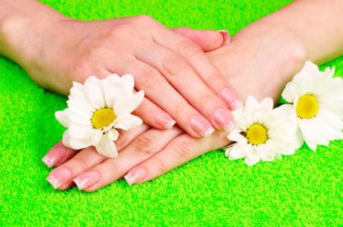 Как бороться с ломкостью ногтей