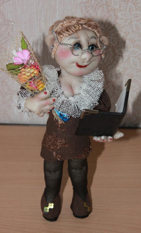 Текстильная кукла на каркасе из проволоки, высота 20 см