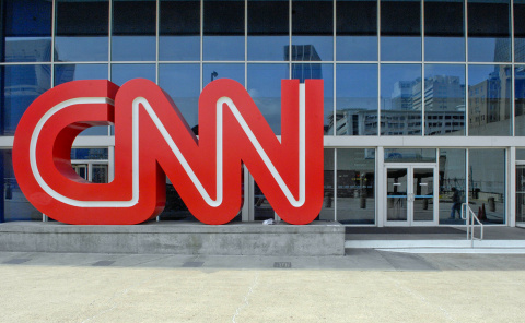 Телеканал CNN уволил трех со…