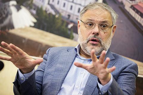 Хазин: обвал рынков Запада спасет Россию от либералов